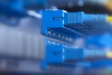 Antenas, fibra óptica, datos, voz, entre otros